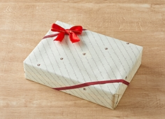 ラッピングサンプルC(包装紙とリボン)